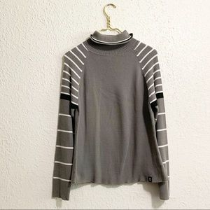 Ski doo ribbed gray and striped turtle neck
